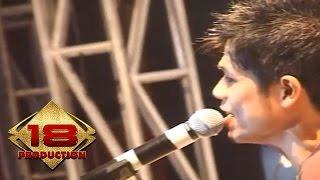 Baim - Ough ( Live Konser Pesta Merah Putih Batam 2006 ) Video