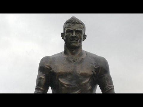 Cristiano Ronaldo'nun heykeli dikildi