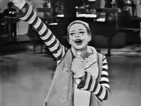Tekst piosenki Judy Garland - Be a clown po polsku