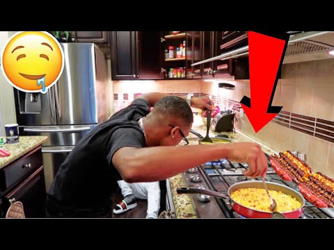 COREY COOKED DINNER FOR THE FIRST TIME!! (must watch) (видео)