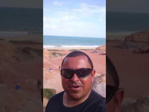 Falésias na Praia do Gunga em Roteiro AL