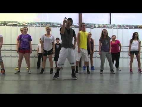 instructional - Instructional video on how to do the Wobble by VIC Created by Jackson Alvarez and starstruck dancers. THE WOBBLE.