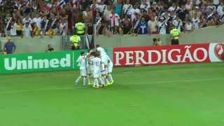 Vasco e Santos empatam por 2 a 2 Conteúdo publicado: http://tvuol.tv/bjc8Ks Cliente: UOL Serviço: Captação de imagens e...