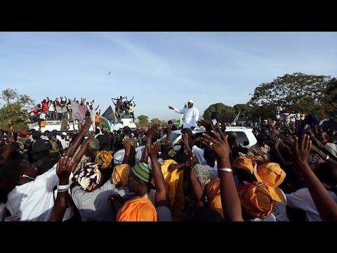 Γκάμπια: Επέστρεψε ο Πρόεδρος Μπάροου