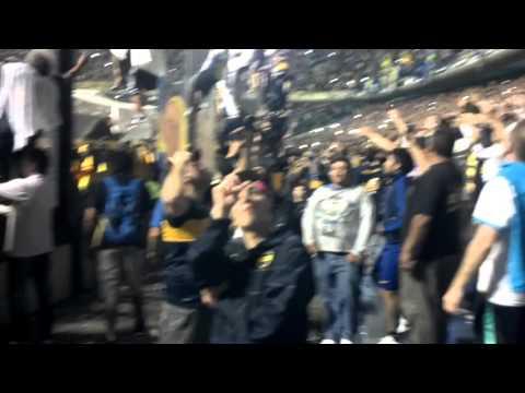 Video - Fiesta en la Bombonera, con los fantasma de la B, recibimiento de la victoria en el gallinero - La 12 - Boca Juniors - Argentina
