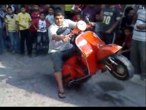 vespa stuntman - crazy boy