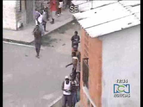 Batalla campal de pandillas en Cali, Colombia