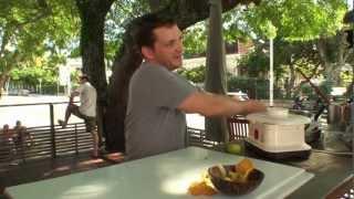 Recette de Chips de Patate douce Carry à l'aïoli de crabe - Restaurant Nouméa