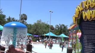 Take a walk around Aquatcia Orlando and discover all the slides, food options, details!