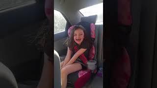 Pětiletá dívka poprvé promluvila