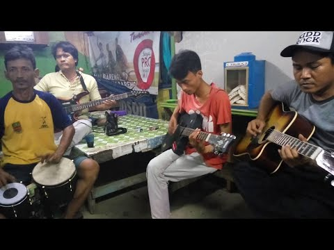 Video dangdut latihan soneta mirip SUARA HJ RHOMA IRAMA-ANI....berlin group cikarang download in MP3, 3GP, MP4, WEBM, AVI, FLV January 2017