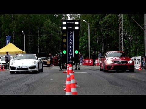 Porsche или mercedes снимок
