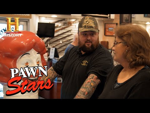 "Pawn Stars: Chum is the McDonald's ""Expert"" (Season 14) 