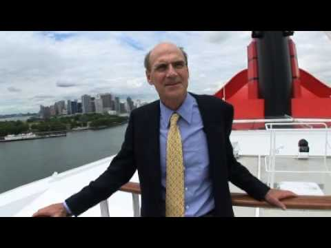James Taylor Sails the QM2