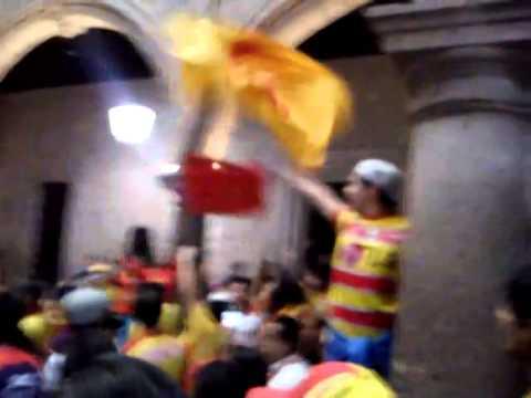 Locura 81 en el ayuntamiento apollando al campeón - Locura 81 - Monarcas Morelia