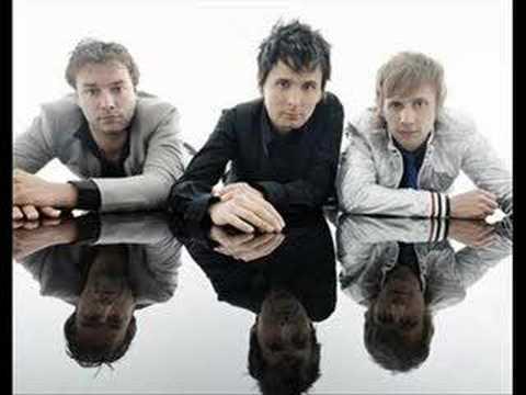 Tekst piosenki Muse - Execution Commentary po polsku