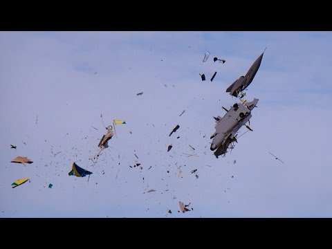 GIGANTIC RC CRASH SAAB GRIPEN XXXL 1:2 SCALE MODEL TURBINE JET FATAL END TOTAL DESTROYED