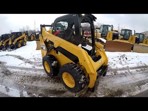 CATERPILLAR スキッド・ステア・ローダ 242D equipment video 8yk-1Utjgd4