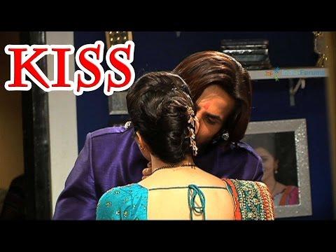 Ravi and Devika's love scene