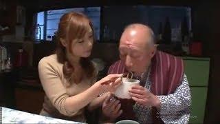 Kakek Sugiono Manja, Makan Minta Disuapin