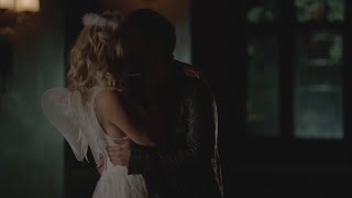 The Vampire Diaries 7x04 Caroline and Stefan kiss/make out, have sex hot (bed scene)
