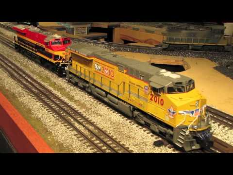 ES44AC - My 3rd and final review of Lionel's incredible Die-Cast ES44AC Diesel Engines. Check out my other 2 reviews on these magnificent engines. More stuff at www.e...