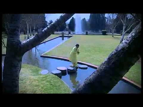Kholeka - Uyamangalisa (видео)