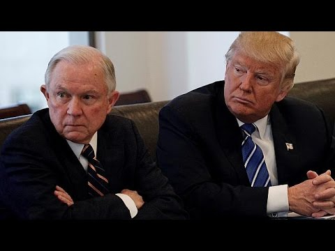 ΗΠΑ: Νέες αποκαλύψεις «καίνε» τον Τζεφ Σέσσιονς – Την παραίτηση του ζητούν οι Δημοκρατικοί