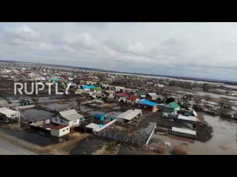 Russia: Spring flooding forces locals out of their homes