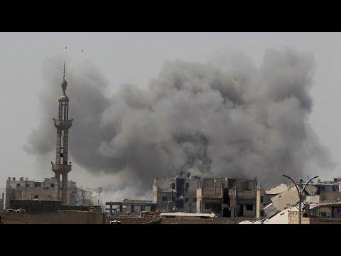 Μαίνονται οι συγκρούσεις στη Ράκα