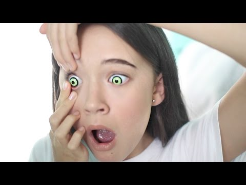 Putting in Color Contacts for the First Time | Creepy Color Contacts | Tips for Putting in Contacts