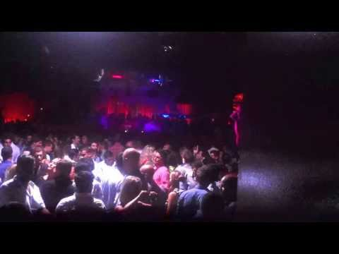 Opium Mar Barcelona atmosphere - don't let the bass get ya! 23/08/2013