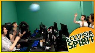 Un petit tournoi de volley sur chaise après une game de LoL, rien de tel pour tisser des liens entre les membres de la team Eclypsia Spirit.Broadcasted live on Twitch -- Watch live at https://www.twitch.tv/eclypsiatvlol