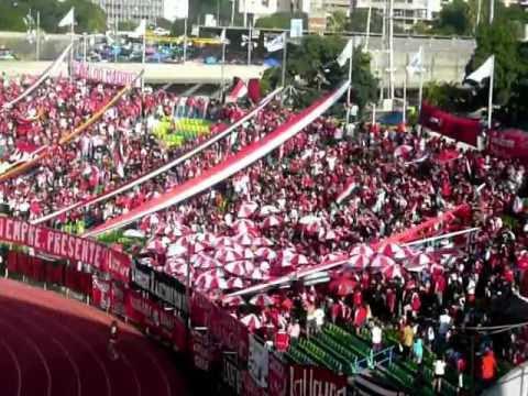 Entrada De La Barra Del Caracas FC (Caracas FC - Trujillanos FC) - Los Demonios Rojos - Caracas