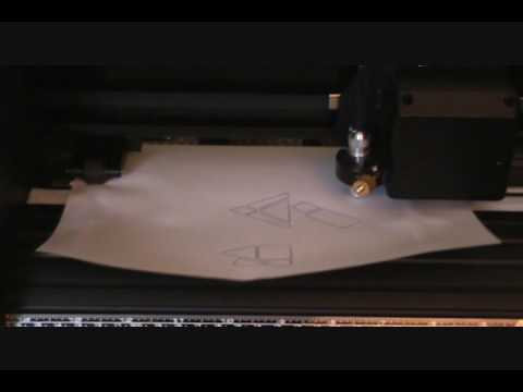 Vinyl Cutter Demo (US Cutter MH365 Refine)