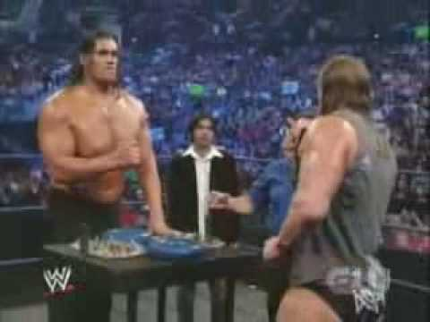 wrestling - Arm Wrestling Match - Triple H vs The Great Khali on Smackdown.