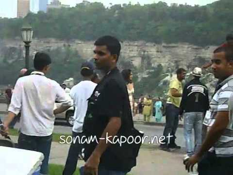 Sonam and Akshay shooting a song - Thank You (Part 2)
