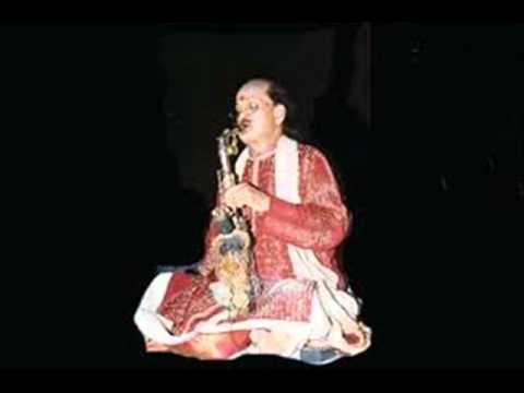 Yen Palli Kondirayya-- Mohanam.wmv by Dr. Kadri Gopalnath