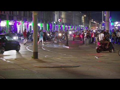 Ολλανδία: Για τέταρτη νύχτα συνεχίστηκαν οι βανδαλισμοί στη Χάγη