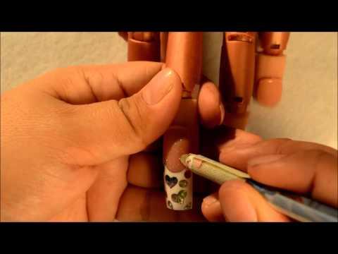 nail art - effetto magico con fiore in 3d