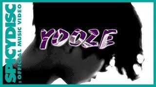 SINGLE : นานเท่าไร (Totem)ARTIST : YOOZELABEL : สไปร์ซซี่ ดิสก์Digital Download : โทร *491544 70Apple Music : http://apple.co/2rXPPyLiTunes : https://itun.es/th/EsChkbJOOX : http://bit.ly/2ueehN6True Music : http://bit.ly/2si7b93Deezer : http://bit.ly/2titNet#Creditเนื้อร้อง : ธีรัช รณเกียรติ (ปัน)ทำนอง : Yoozeเรียบเรียง : YoozeProducer : Sho ChotinunRecordingVocal : ธีรัช รณเกียรติ (ปัน)Electric Guitar : ณัฐกฤตา พิศภา (ยีน)Bass : ไม้มงคล อมรรังสฤษดิ์ (ไม้)Drum : ภูริณัฐ บุตรโสมตา (ขิง)Mixing : Sho ChotinunMastering : Sho ChotinunStudio : Minerva Recording Studio#LyricsVerse 1รักที่ผ่าน ผ่านเข้ามา ช้ำทุกอย่าง ต้องเจ็บอยู่ทุกคราทำร้ายกันไปก็เจ็บอย่างที่แล้วมายิ่งฝืนเรื่องราว ยิ่งทำไปยิ่งเหนื่อยล้าInstruแต่ฉันยังรอ ยังคงรออยู่Verse2กี่ครั้งความจริง ทุกสิ่งต้องทิ้งไปยิ่งรักเท่าไหร่ ยิ่งทำไปยิ่งเจ็บช้ำและยิ่งห้ามน้ำตาเท่าไหร่ มันก็ยิ่งรินไหลไม่รู้ทำไม ก็ยังคงตามหา**เป็นรักทรมาน ที่ยังต้องการที่จะตามหาถึงแม้มีน้ำตา ฉันยังจะไขว่คว้าเอามากอดไว้จะต้องช้ำก็เข้าใจ แต่จะเป็นอย่างนี้ไปนานเท่าไรก็ไม่รู้ไม่อยากเป็นคนเฝ้าดู และไม่รู้ว่าใครอยู่ในรักของเธอไม่ว่าฉันจะละเมอ หรือพร่ำเพ้อในใจว่ามีเธออยู่ตรงนี้ติดตามความเคลื่อนไหวได้ที่ Fanpage :https://fb.com/yoozeyoozehttps://fb.com/SPICYDISC.FANPAGEIG : @spicydiscติดต่องานโชว์ศิลปินคุณแจ๋ว : 084-707-4446คุณปอ : 081-371-6118ติดต่องานพรีเซ็นเตอร์สินค้า/ลิขสิทธิ์เพลง/แต่งเพลง คุณอ้อ 092-619-5629ติดต่อฝ่ายประชาสัมพันธ์โทร : 02-264-5091-5 ต่อ 116 117#นานเท่าไร#YOOZE