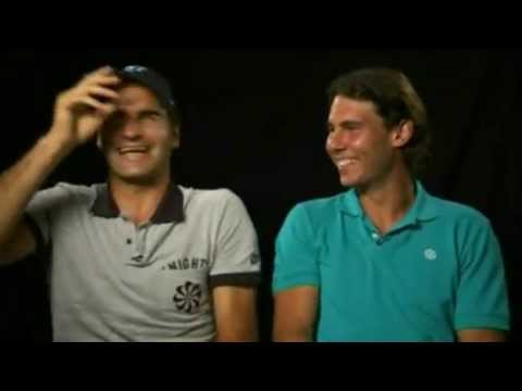 Roger Federer et Rafael Nadal tentent de rprimer un fou rire