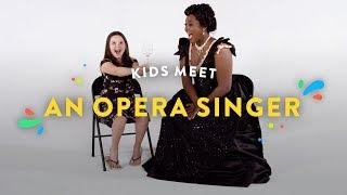 Video Kids Meet an Opera Singer | Kids Meet | HiHo Kids MP3, 3GP, MP4, WEBM, AVI, FLV Oktober 2018