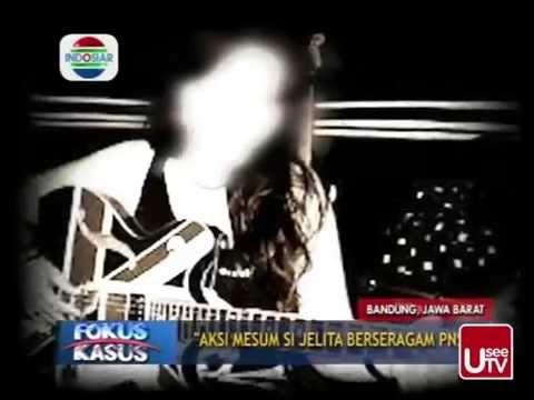 Video Kasus Foto Mesum Jelita Berseragam PNS Bandung download in MP3, 3GP, MP4, WEBM, AVI, FLV January 2017