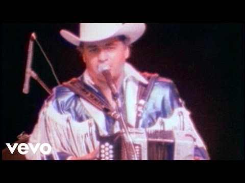 Ave De Paso - Los Tigres Del Norte (Video)