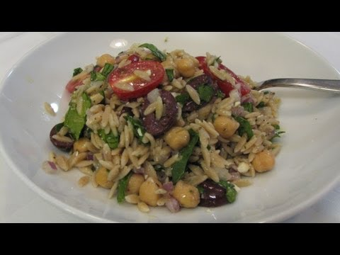 Mediterranean Diet: How to Make a Healthy Mediterranean Orzo Salad