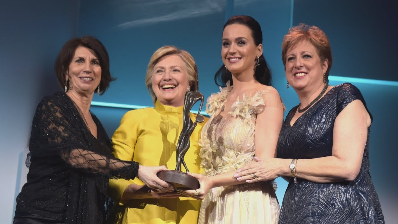 Hillary Clinton Makes Surprise Appearance to
