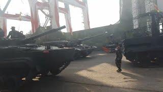 Video detik detik Tank baja TNI mogok saat latihan parade HUT TNI ke 72 MP3, 3GP, MP4, WEBM, AVI, FLV Oktober 2017