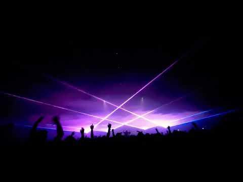 Чутка лазеров на концерте