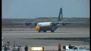 Impressive Huge Plane Taking Off